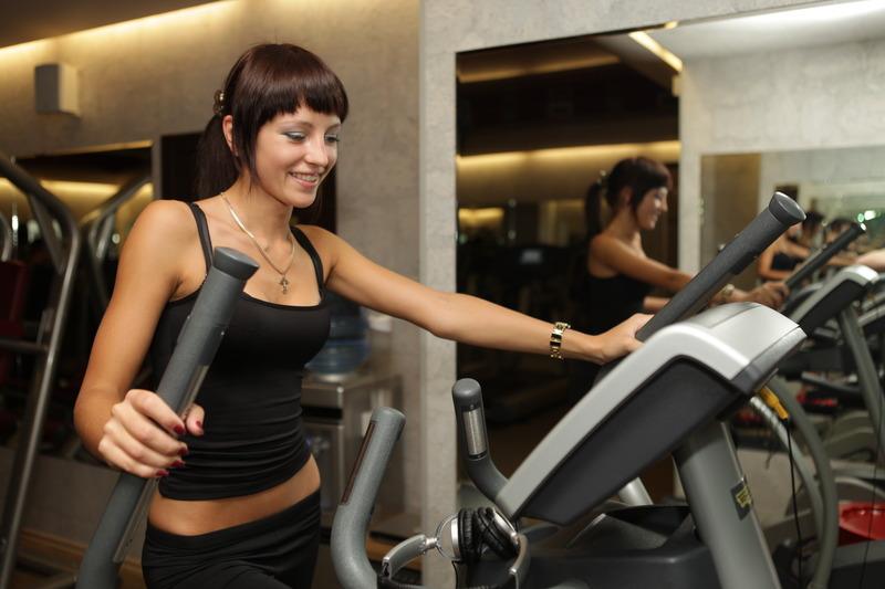 Тренировки в спортзале голышом 28 фотография